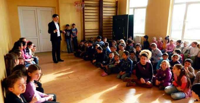Întâlniri catehetice pentru copiii din Săvineşti