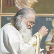 Părintele Justin s-a întors la chilia sa din Mănăstirea Petru Vodă
