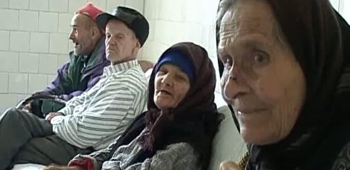 Noi reguli pentru persoanele de peste 65 de ani, prin Ordonanţa Militară din 29 martie