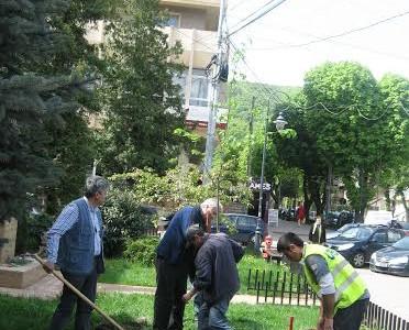 Va creşte un tei lîngă bustul lui Eminescu