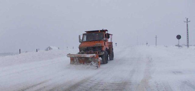 Atenţie! Se anunţă dezastre pe drumuri! Îndrumări de la Direcţia de Drumuri. Piatra Neamţ: 0233/213908