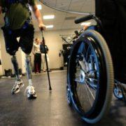 Peste 19000 de persoane cu handicap vor primi bani mai mulţi
