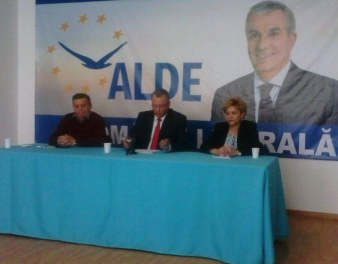 """Liderul ALDE Neamţ, Ion Asaftei: """"Iertaţi-mă, aţi văzut ca doi de acelaşi sex să facă vreun copil?"""""""