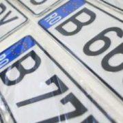 Nou pentru şoferi: când se suspendă de drept înmatricularea unei maşini