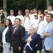 ARC peste timp la Oglinzi: Tabără inaugurată pentru românii de pretutindeni