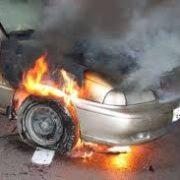 Autoturism în flăcări la Moldoveni