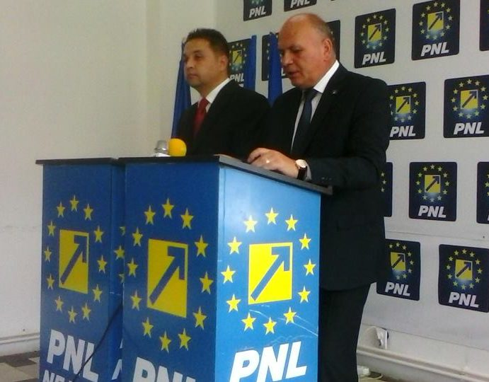 Piatra Neamţ: Consilierii PNL nu vor vota majorarea preţului la parcări. Se sparge alianţa cu PMP?
