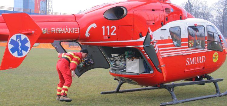 Bărbat trimis de urgenţă cu elicopterul la Iaşi
