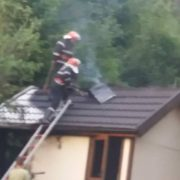 Incendiu în spatele Hotelului Cascada de la Durău