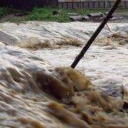 Neamţ, din nou sub cod galben de inundaţii. Pot fi depăşiri ale cotelor de apărare