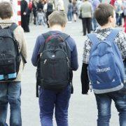 Piatra Neamţ: 700 de elevi vor avea ghiozdane de la Primărie