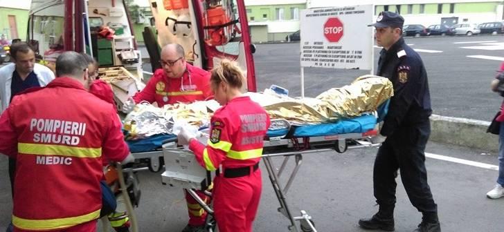 Doi bărbaţi din Neamţ şi-au dat foc: unul a vrut să se sinucidă, altul, din greşeală