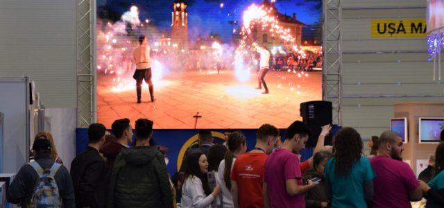 """Primarul Chitic şi """"10 motive pentru a petrece sărbătorile de iarnă la Piatra-Neamț""""."""
