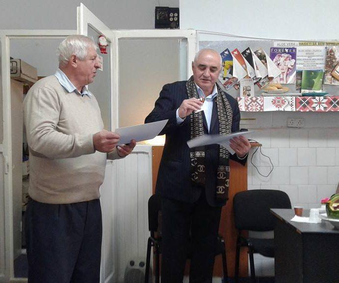 """Clubul Seniorilor din Piatra Neamţ sau un alt fel de a spune """"noi ştim să trăim"""""""