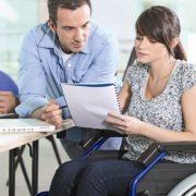 Bursa locurilor de muncă prin AJOFM: opt persoane cu dizabilităţi au fost angajate de ziua lor
