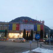 Vasile Ouatu, de centenar: un drapel mare pe magazin, cât sufletul său!