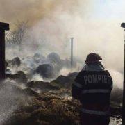 Foc intenţionat la Bahna. Cinci tone de lucernă s-au topit
