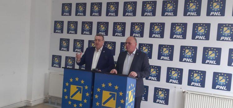 Neamţ: PNL desfiinţează bugetul PSD-ALDE. Senatorul Ţapu crede că e mâna Moscovei