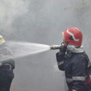 Piatra Neamţ:  o candelă a incendiat un apartament pe Aleea Tiparului