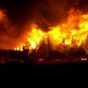 Bărbat carbonizat într-un incendiu devastator la Roman