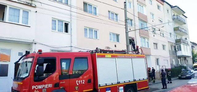 Femeie de 70 de ani, salvată de pompieri