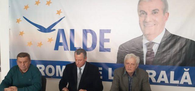 """ALDE Neamţ anunţă 300 de noi membri proveniţi """"din noul PNL"""". """"Nu este vorba de dl. Chitic!"""""""