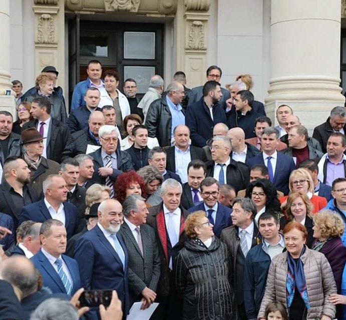 ALDE: Asaftei (Neamţ), sub mâna dreaptă a lui Tăriceanu. Lansare de candidaţi la Iaşi
