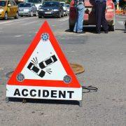 Grav accident pe Calea Romanului. Victime transportate la spital
