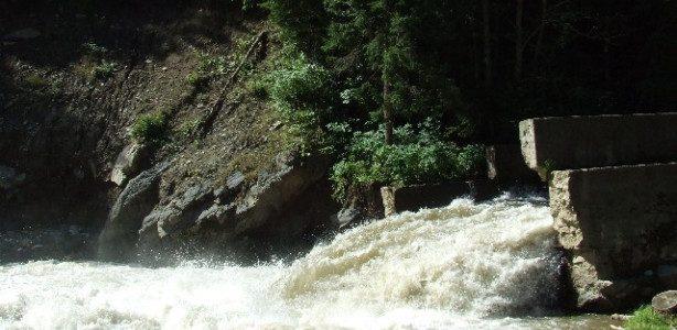 Neamţ: atenţionare hidro pe râurile Bistriţa şi Moldova! Apele Române recomandă permanenţă în primării!