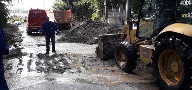Primarul de Piatra Neamţ anunţă numărul unic de ajutoare la inundaţii: 0771251798