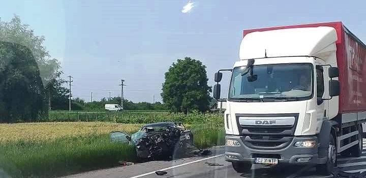 Şoferul mort în cumplitul accident de la Secuieni, era medic stomatolog