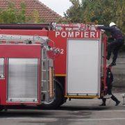 Neamţ: Femeie căzută într-o râpă, salvată de pompieri