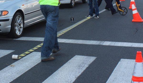 Nici trecerea de pietoni nu mai e sigură: femeie accidentată în timp ce traversa regulamentar!