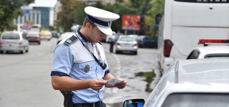 Inconştienţii de la volan: Beţi sau fără permis, prinşi de Poliţie