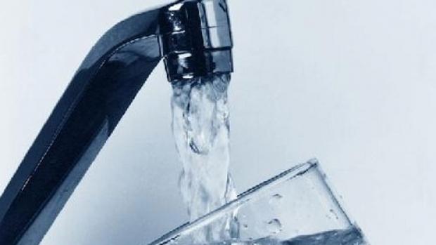 Apa Serv cere o nouă scumpire la apă şi canalizare în Piatra Neamţ. Proiectul se dezbate astăzi în CL. Liberalii se opun