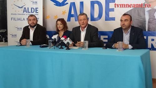 Reorganizare în ALDE Neamţ: birou judeţean nou şi doi consilieri comunali excluşi!