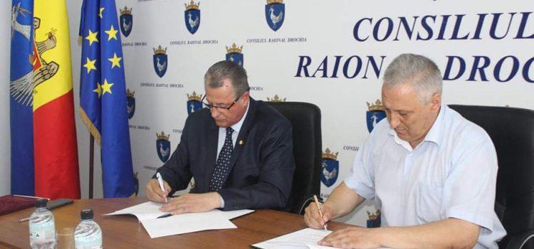 Ion Asaftei a semnat acordul de colaborare a judeţului Neamţ cu raionul Drochia!