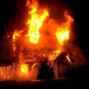 Blestemul focului: din totalul celor 650 de persoane surprinse în incendii, 250 și-au pierdut viața