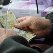Anunţ aşteptat: Când se dau banii pentru persoanele din secţiile de votare
