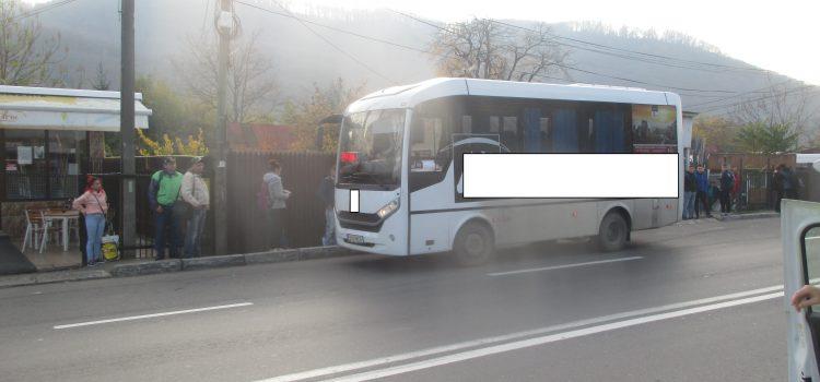 Piatra Neamţ: Poliţia Locală, verificări la opririle în staţiile de autobuz