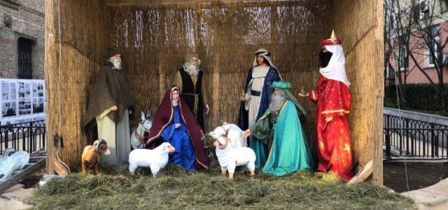 """S-a deschis Târgul de Crăciun la Piatra Neamţ: """"Va fi o atmosferă de vis!"""""""