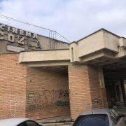 În sfârşit! Cinematograful Cozla Piatra Neamţ intră în reabilitare! Primarul a semnat contractul!