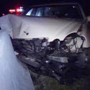 Accident cu victime la Săbăoani. Maşina  a intrat într-un cap de pod
