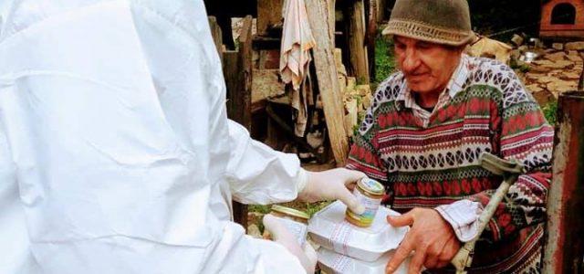 Piatra Neamţ: peste 1200 de pachete au fost distribuite de Asistenţa Socială