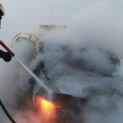 Maşină în flăcări la Săbăoani