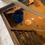 Zeci de gospodării inundate în Neamţ. Noapte plină pentru pompieri