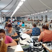 Neamţ: confecţionerii în textile, cea mai mare ofertă de locuri de muncă! Ce se mai caută?