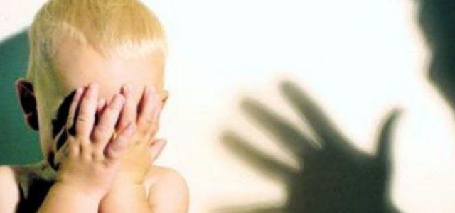 Protectorii transformaţi în bestii: 257 de copii au fost abuzaţi în 6 luni