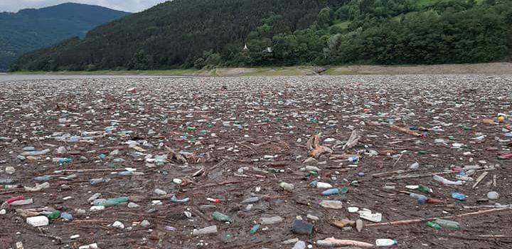 Garda de Mediu: raport curat, nici un cuvânt despre dezastrul de pe Lacul Bicaz
