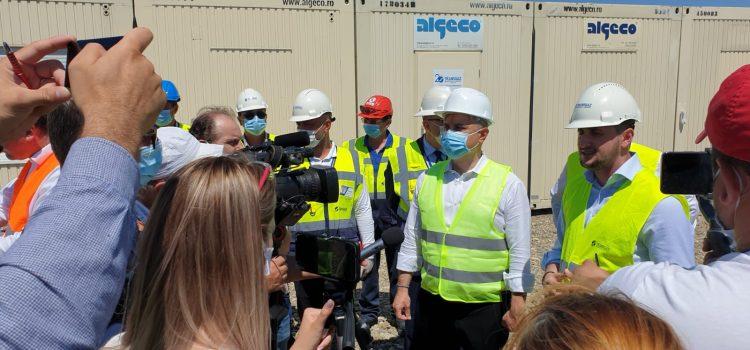 Premierul României şi Mugur Cozmanciuc, la magistrala de gaz de la Gherăieşti(video)